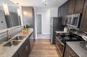 410 Black Feather Loop 2-3 Beds Apartment for Rent Photo Gallery 1