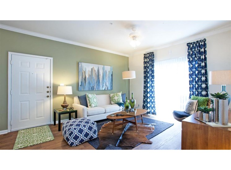Spacious living rooms with natural lighting at Indigo Pointe, 3030 Bardin Road, TX 75052