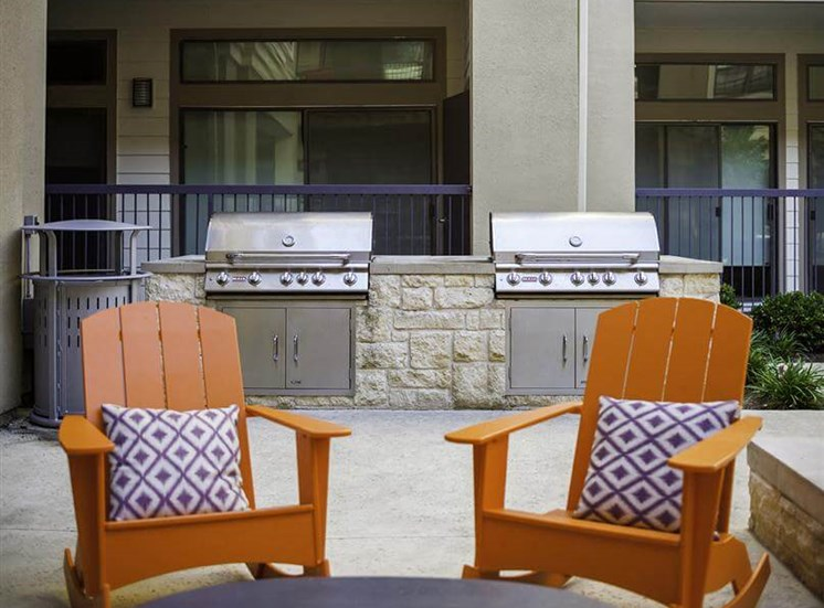 Grilling station at Neo Midtown Apartments in Dallas, TX