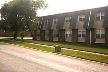 5517 W 51St Street 1-2 Beds Apartment for Rent Photo Gallery 1
