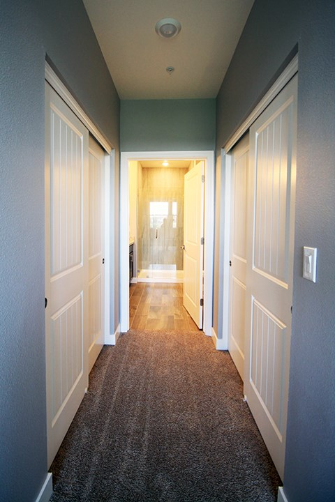 Hallway l Park Place Apartments in Reno, NV