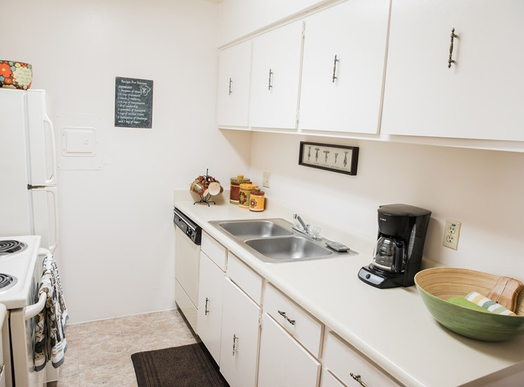 Well-Kept Kitchen at Cantera Apartments  El Paso, TX 79935