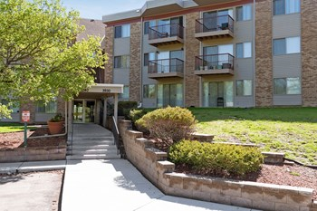 3930 Lancaster Lane 1-2 Beds Apartment for Rent Photo Gallery 1