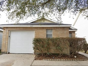2127 Whittier Dr 3 Beds House for Rent Photo Gallery 1