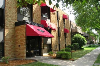 1787 Grand Avenue 1-2 Beds Apartment for Rent Photo Gallery 1