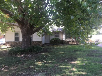 814 Hackberry Dr 3 Beds House for Rent Photo Gallery 1