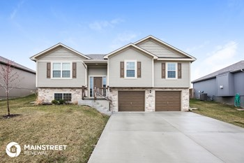 1305 NW High View Dr 4 Beds House for Rent Photo Gallery 1