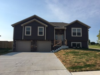 427 Buffalo Ct 4 Beds House for Rent Photo Gallery 1