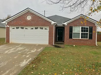 449 Cathedral Dr 3 Beds House for Rent Photo Gallery 1