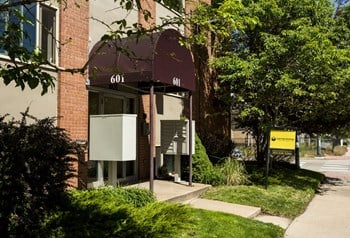 601 & 621 S Lincoln St Studio-1 Bed Apartment for Rent Photo Gallery 1