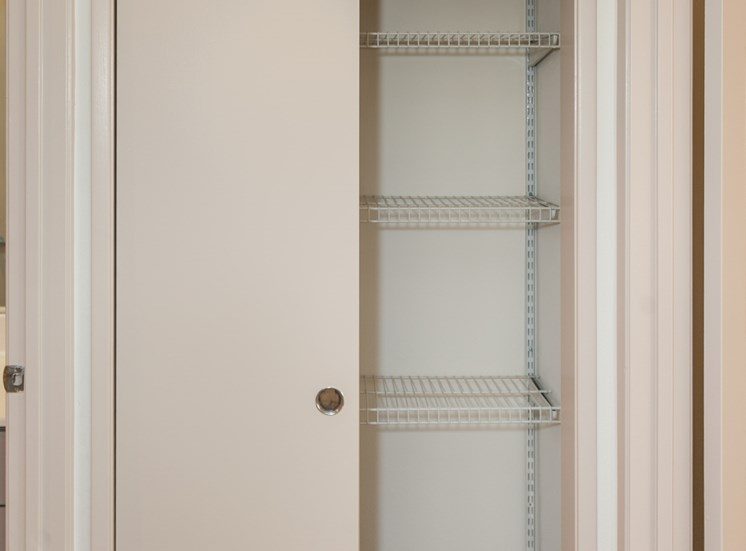 storage space, hallway storage
