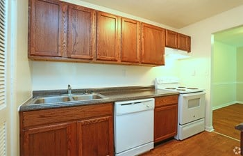 1718 Northside Dr 1-3 Beds Apartment for Rent Photo Gallery 1