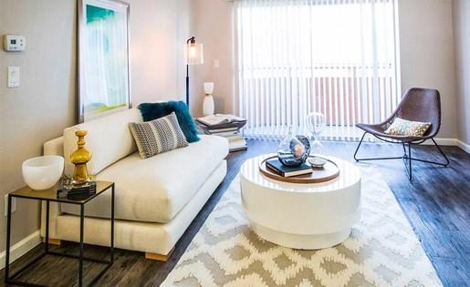 Two bedroom rentals for rent Glenoaks Gardens  in Sun Valley