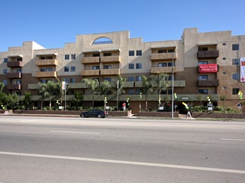 4950 Laurel Canyon 1-2 Beds Apartment for Rent Photo Gallery 1