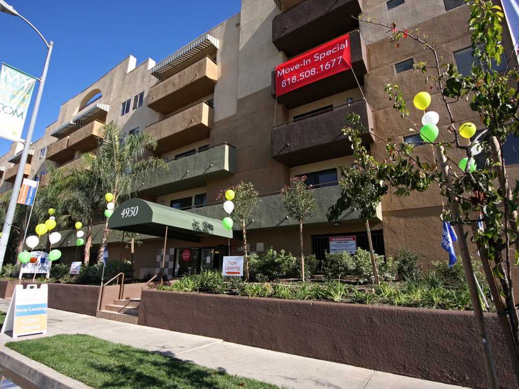 Laurel Canyon Towers Apts photogallery 4