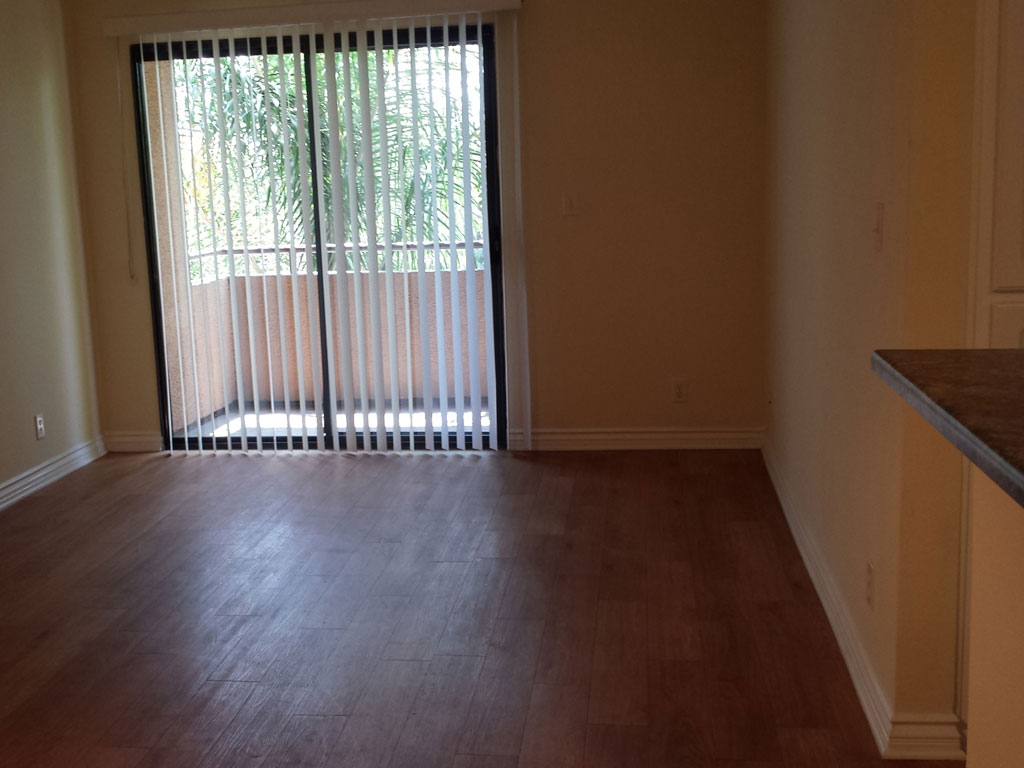 Laurel Canyon Towers Apts photogallery 11