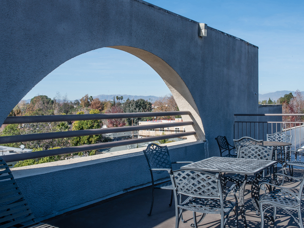 Laurel Canyon Towers Apts photogallery 20
