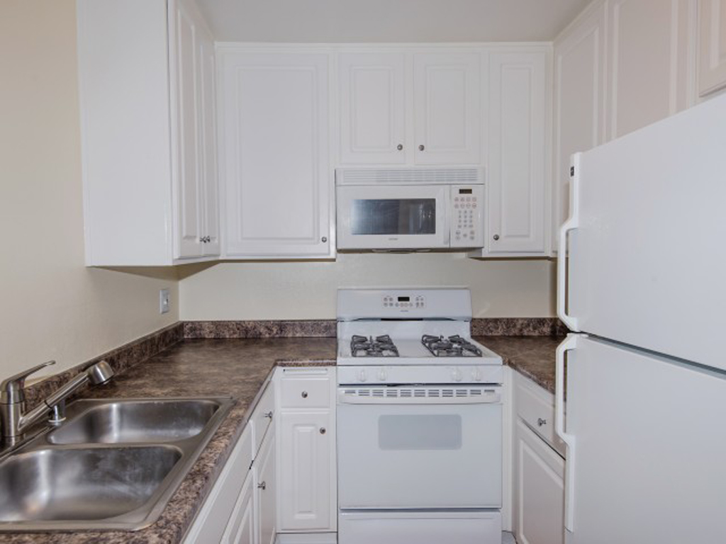 Laurel Canyon Towers Apts photogallery 23