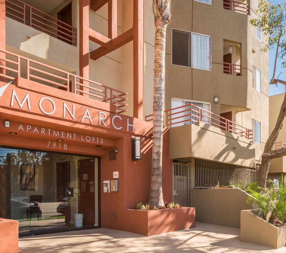 Monarch Apartments in Reseda ca