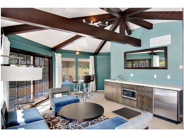 Apartments in Pasadena, CA - San Pasquel Resident Lounge