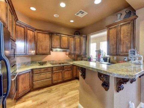 Apartments for Rent in Chico, CA - Eaton Village Kitchen