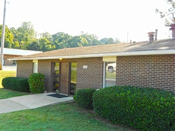 4302 Creekwood Drive 1 Bed Apartment for Rent Photo Gallery 1