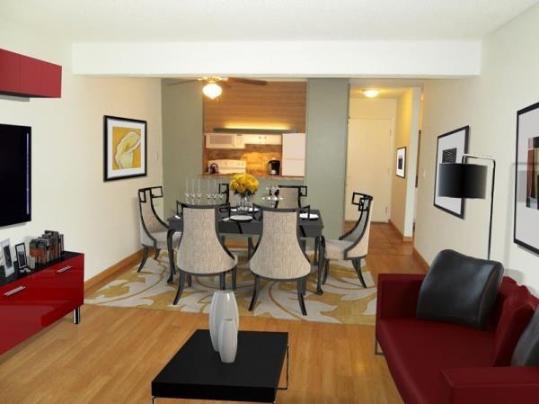 Wood Floors, Breakfast Bar, Accent Colors