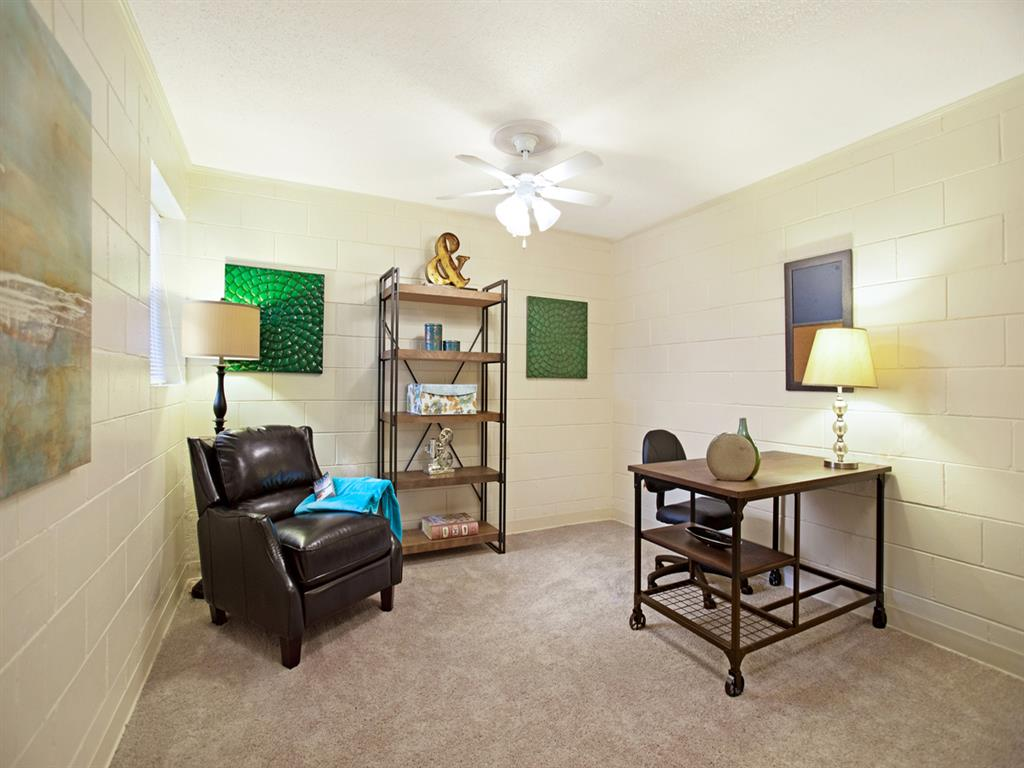 Canterbury Apartment Homes, Tuscaloosa, AL, Bed room