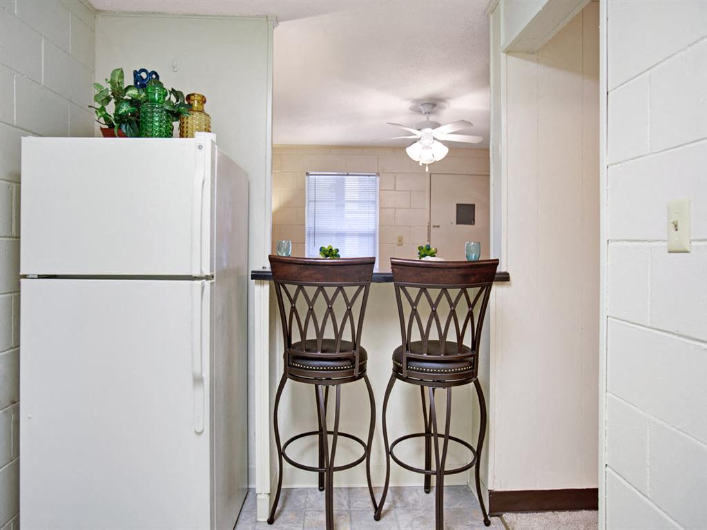 Canterbury Apartment Homes, Tuscaloosa, AL, Dining