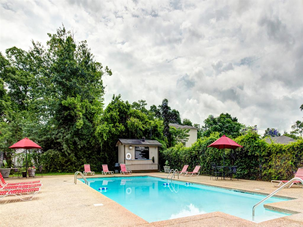 Canterbury Apartment Homes, Tuscaloosa, AL, Pool