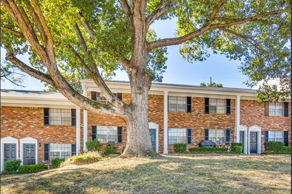 Eastwood manor apartments 1440 22nd avenue tuscaloosa al rentcaf for Cheap 1 bedroom apartments in tuscaloosa al