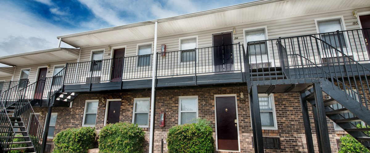 Executive lodge apartments in huntsville al for 3 bedroom apartments huntsville al