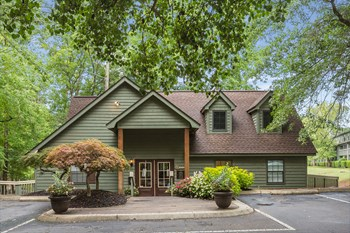 1409 Roper Mountain Road 1-3 Beds Apartment for Rent Photo Gallery 1