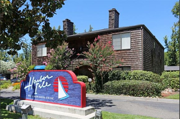 Harbor Isle Apartments 8429 Mariners Drive Stockton Ca Rentcafé