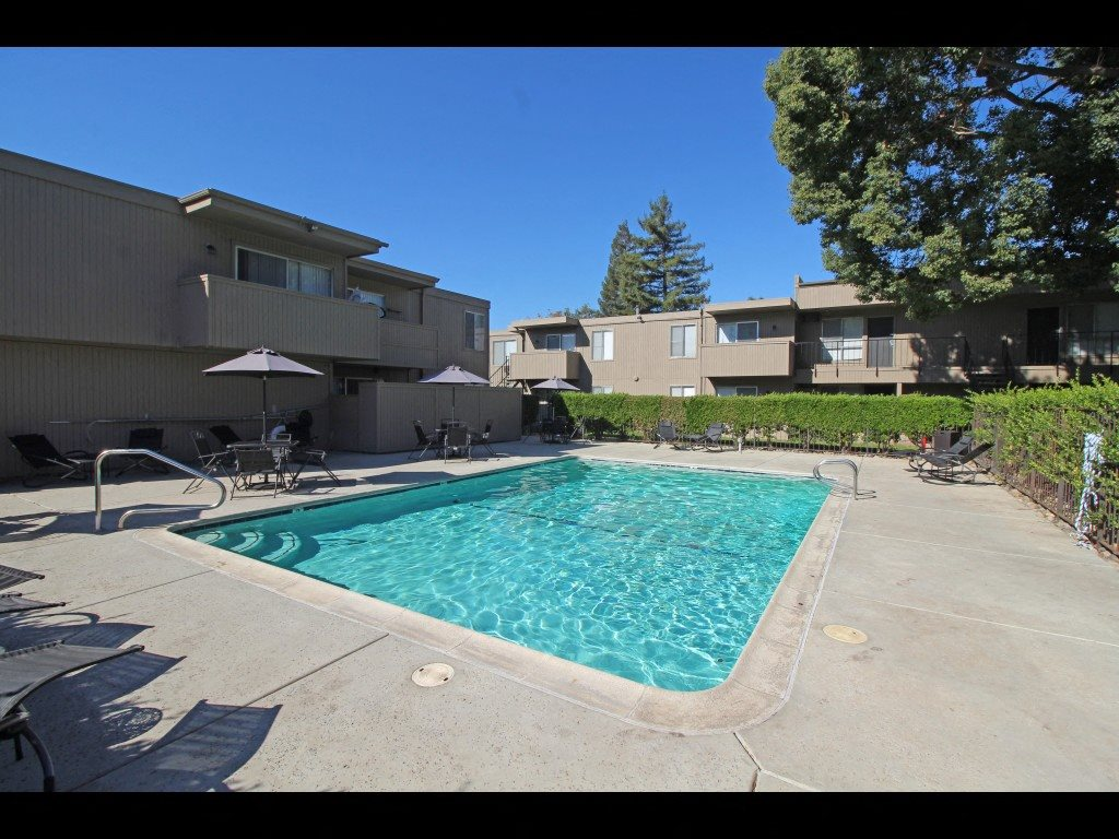 Stockton, CA 95219 | Parkside Apartments |  Swimming Pool