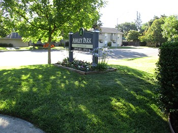 6232 N Pershing Ave 1-2 Beds Apartment for Rent Photo Gallery 1