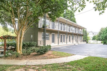 480 NE Peachtree Hills Ave Studio-2 Beds Apartment for Rent Photo Gallery 1