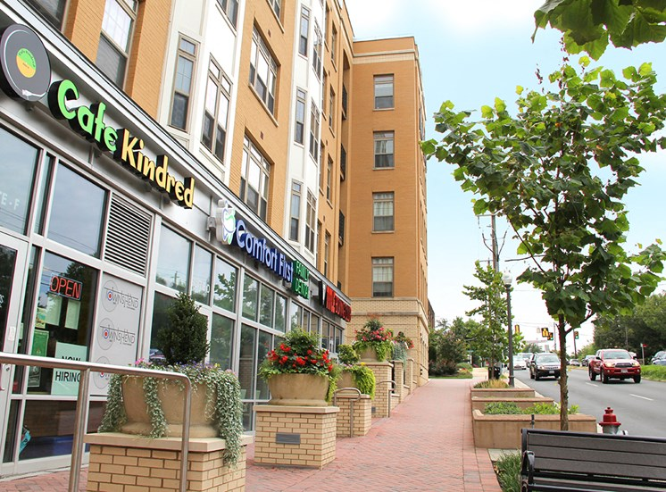 Ground floor restaurants, yoga and other services at Northgate