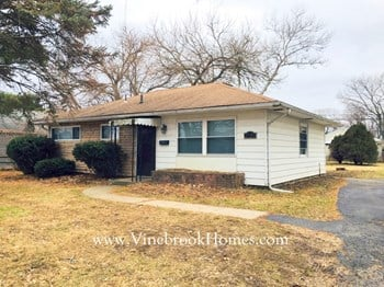 2139 S. Smithville 3 Beds House for Rent Photo Gallery 1