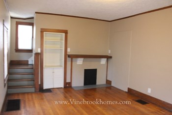 845 Carlisle Ave 2 Beds House for Rent Photo Gallery 1