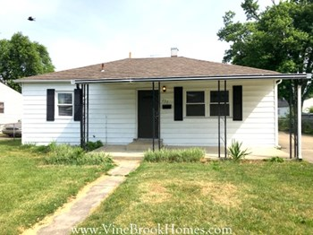 257 Fitchland Dr 3 Beds House for Rent Photo Gallery 1