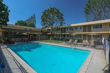4701 and 4901 Clair Del Ave. 1-2 Beds Apartment for Rent Photo Gallery 1