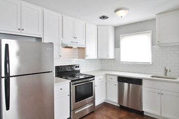 633 S. Maple Ave 1-2 Beds Apartment for Rent Photo Gallery 1