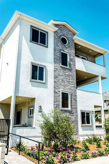 3 Bedroom Apartments For Rent In Burbank Ca Rentcaf