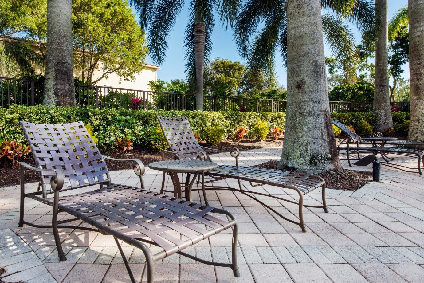 The Cove at Boyton Beach| Pool Side Loungers