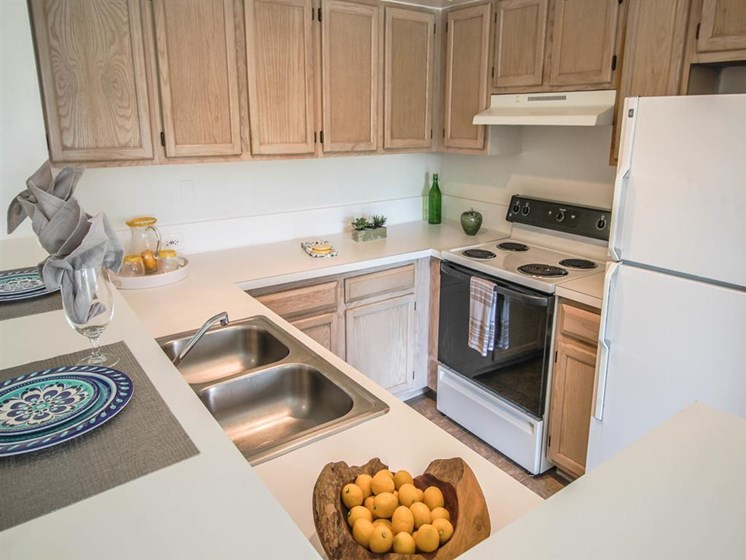 The Enclave Apartments| Kitchen