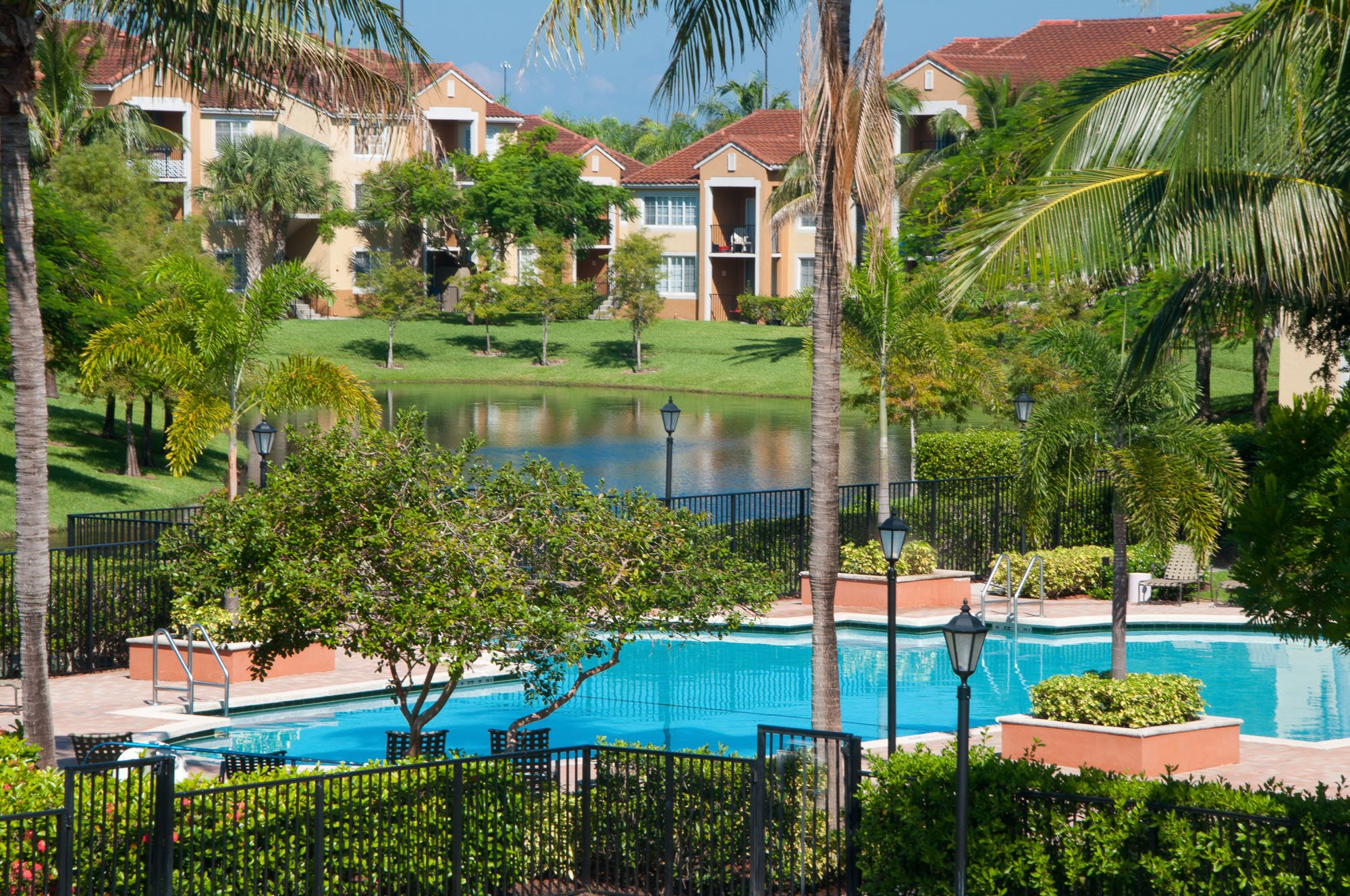 The Enclave Apartments At Waterways Apartments In Deerfield Beach Fl