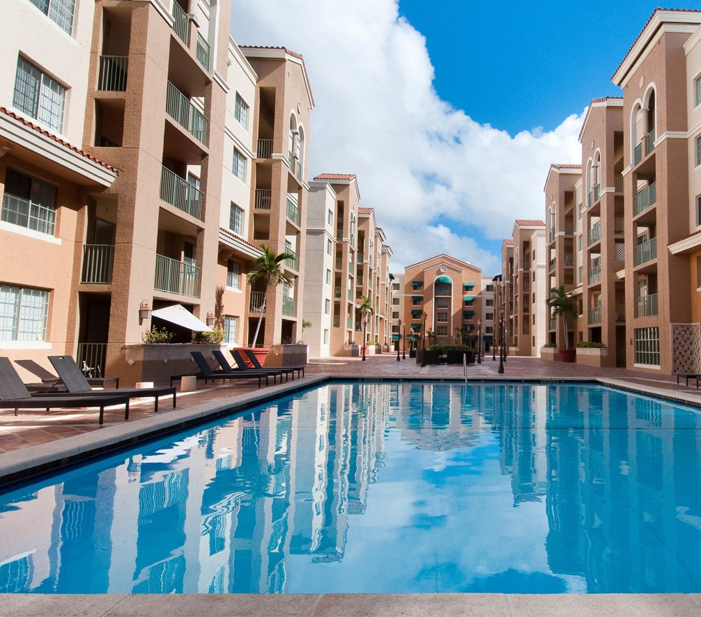 Gables Grand Plaza Apartments Pool