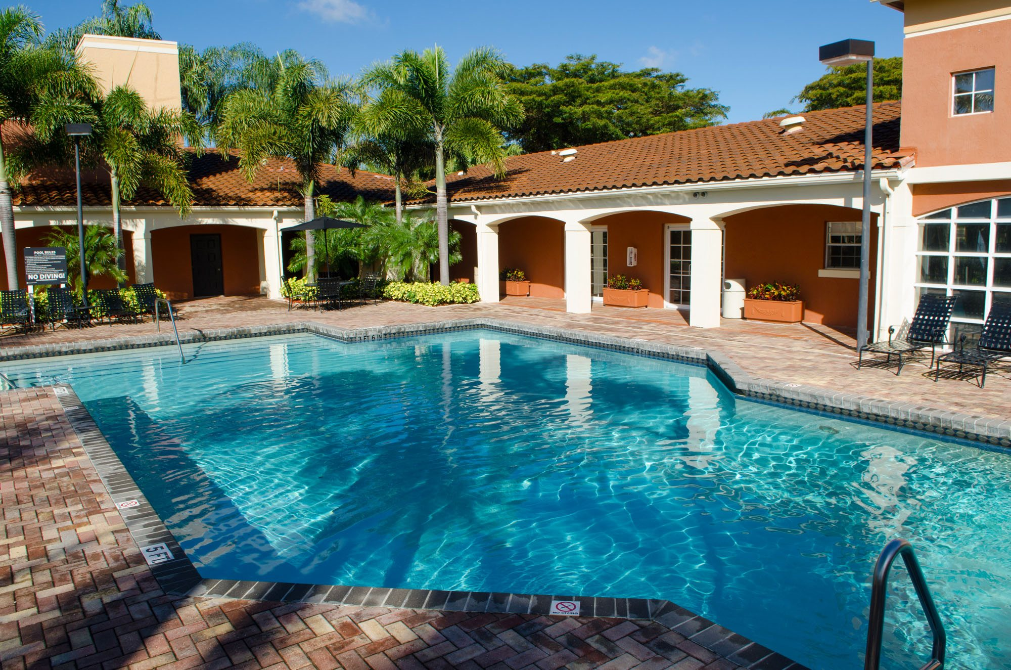 Swimming Pool at Gatehouse at Pinelake, Pembroke Pines, FL, 33025