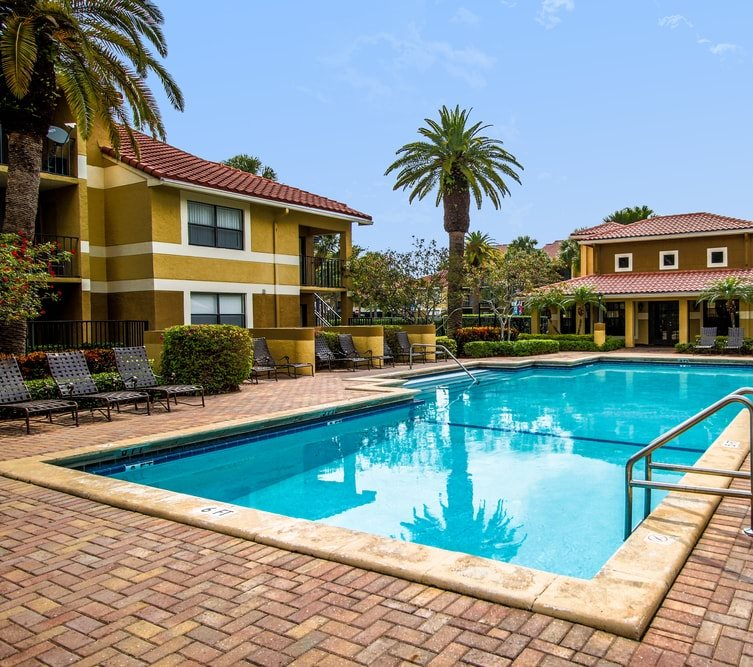 Kings Colony Apartments In Kendale, Miami, FL